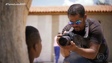 Fotógrafo baiano cria projeto para ajudar na doação de casas para moradores do sertão - Confira a matéria veiculada no Fantástico.