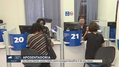 Tempo de espera para conseguir aposentadoria é de seis meses em Minas Gerais - O INSS admite que um dos problemas é a falta de funcionários pra atender toda a demanda.
