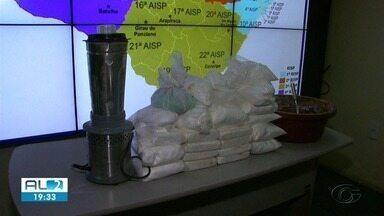 Polícia descobre esquema de refino de cocaína em laboratório clandestino em AL - Um homem foi preso e 20 kg de cocaína foram apreendidos.