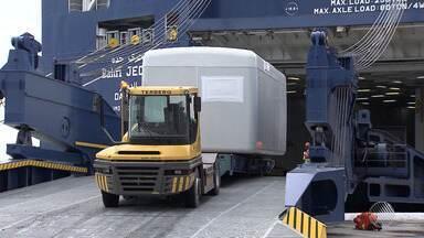 Porto de Salvador tem operação inédita para exportar peças usadas na energia eólica - Transporte dos equipamentos começou a ser planejado há um ano.