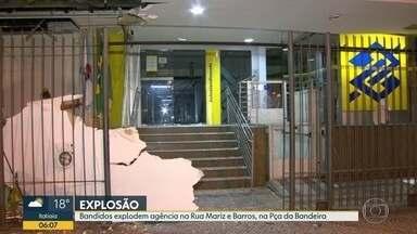 Bandidos explodem agência do Banco do Brasil na Praça da Bandeira - A explosão foi na madrugada desta quinta (9), segundo a Polícia Militar, assaltantes tentaram roubar a agência.