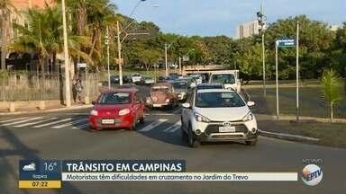 Motoristas têm dificuldades em cruzamento no Jardim do Trevo - Cruzamento no Jardim do Trevo em Campinas (SP) tem dificuldades para motoristas nos horários de pico.