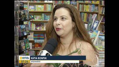 Livrarias buscam inovar para aumentar faturamento - Popularização de livros digitais tem prejudicado livrarias.