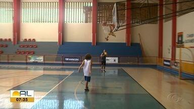 Em Alagoas, escolas adotam metodologia da NBA - Método aplica fundamentos do basquete norte-americano.