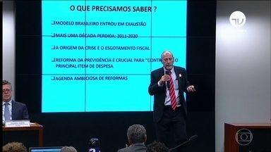 Comissão especial da reforma da Previdência ouve 4 especialistas - O depoimento desta quarta-feira (08) do ministro Paulo Guedes durou 8 horas.