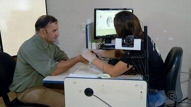 Cartórios eleitorais realizam plantão de biometria - Neste sábado, cartórios eleitorais realizaram plantões para fazer o cadastramento da biometria.