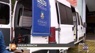 Unidade móvel do Sine presta atendimento para quem busca emprego em Porto Alegre - Ação acontece em dois bairros da capital gaúcha. Para receber o serviço, basta comparecer com a carteira de trabalho.