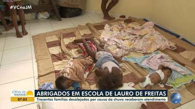 Chuva deixa centenas de pessoas desalojadas em Lauro de Freitas - O Rio Ipitanga transbordou por causa da chuva.
