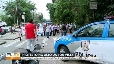Moradores fazem protesto contra as más condições das linhas de ônibus 301 e 302 - O protesto aconteceu no Alto da Boa Vista, e passageiros relatam que os veículos sempre quebram na subida.