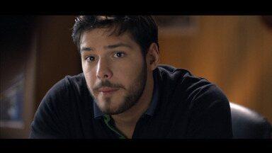 Episódio 4 - Iovine diz a Anna que Giuliana passará a cuidar dele e arma uma cilada para Anna. Porém, os agentes de Romano conseguem capturá-lo antes que matem a moça e sua família.
