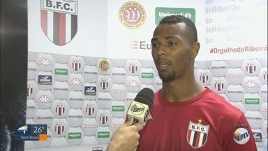 Zagueiro do Botafogo-SP fala sobre expectativa para jogo contra o Vila Nova - Partida é neste sábado (18), no estádio Santa Cruz.