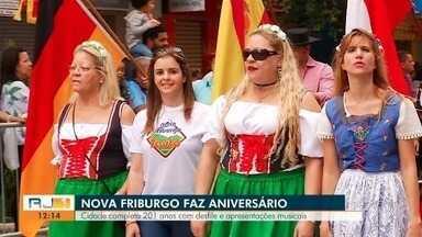 Nova Friburgo completa 201 anos com desfile e apresentações musicais - Luciana Thomaz e Davi Motta mostram a festa para o público do RJ1.