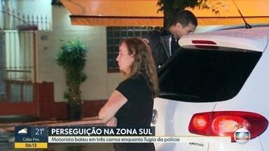 Motorista bate em três carros enquanto tentava fugir da polícia - Uma mulher foi perseguida pela polícia por 5 km em Ipanema, zona sul. A motorista bateu em três carros e parou somente quando o air bag do carro foi acionado.