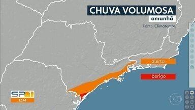 Fim de semana chega com previsão de mais chuva no litoral paulista - Veja como fica o tempo também na Grande São Paulo e no interior.
