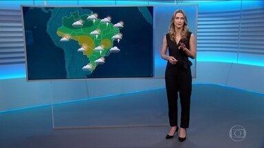 Veja a previsão do tempo para domingo (19) no Brasil - Ainda há previsão de chuva forte no Sudeste.