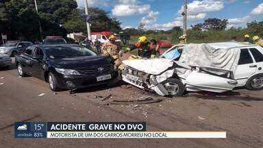 Homem morre em acidente na divida do DF com Goiás - Batida entre dois carros foi no domingo (19) à tarde.