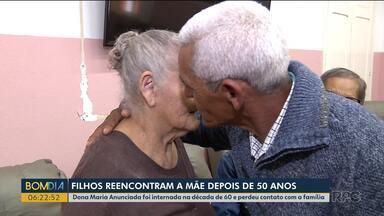 Filhos reencontram a mãe que não viam desde a década de 60 - Na época o marido a trouxe para um tratamento e a deixou internada no asilo. Os filhos não sabiam o que tinha acontecido. Depois que tiveram notícias vieram atrás dela