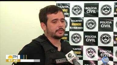Polícia cumpre mandados contra acusados de roubo de veículos - Polícia cumpre mandados contra acusados de roubo de veículos