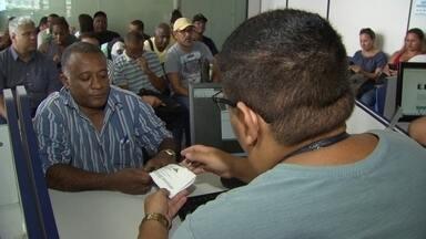 Desemprego: como se reinventar no mercado de trabalho? - O repórter Rogério Coutinho conversa com especialistas e com pessoas que conseguiram vencer a falta de emprego no país.