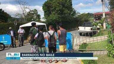Torcedores seguem sem poder ter acesso aos treinos da Seleção Brasileira em Teresópolis - Assista a seguir.