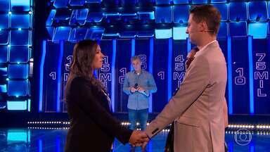 Ana Gabriela conta para Gabriel se assinou ou rasgou o contrato no 'The Wall' - Casal vai ao 'The Wall' para ajudar nos custos do casamento de Elza, que doou medula óssea para Gabriel