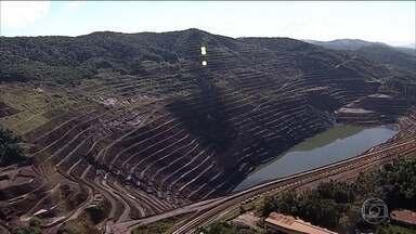 Talude da mina da Vale em Barão de Cocais está se movimentando cada vez mais rápido - Na semana passada, o movimento era de 10 centímetros. Hoje, alguns pontos já apresentam 21 centímetros de movimentação.