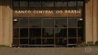 Banco Central estuda permitir conta em dólares para brasileiros - Medida faz parte da agenda do BC para estimular a produtividade e melhorar o ambiente de negócios no país.