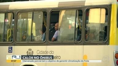Justiça determina intervenção parcial nos ônibus do Rio - Pedido foi feito pelo Ministério Público e um dos objetivos e garantir climatização total da frota.