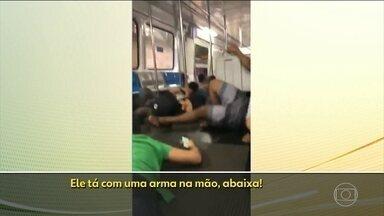 Assaltante mantém passageiro do metrô refém, no Rio - Criminoso abordou passageiro quando tentava fugir pela estação Cardeal Arcoverde, depois de assaltar uma loja. O bandido foi preso e com ele os policiais militares apreenderam uma arma e R$ 1 mil.