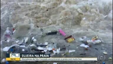 Moradores de São Conrado encontram muito lixo na praia - Flagrante foi feito domingo (02). Inea disse que ia fazer uma vistoria