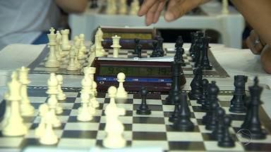 Último dia do xadrez nos JETVSE tem dispputa na modalidade por equipes - São três enxadristas contra três. Trabalho tem que ser em equipe. Fique por dentro das regras.