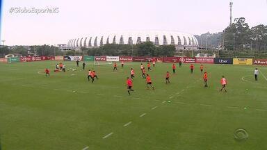 Inter retorna aos treinos sem Guerrero - Moledo se recupera de lesão e volta a participar de atividade com bola.