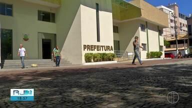 Prefeitura de Cabo Frio, RJ, tenta reorganizar finanças com reforma administrativa - Assista a seguir.