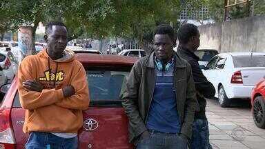 Polícia investiga morte de motorista senegalês em Porto Alegre - Amigos se organizam para arrecadar dinheiro para levar o corpo ao Senegal.