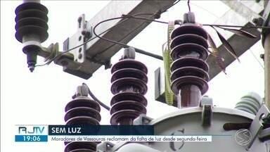 Moradores de Vassouras reclamam da falta de luz durante três dias - Problema gera prejuízos à população do distrito de Andrade Pinto.