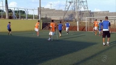Ourinhos ganha time de futebol de amputados - Ourinhos foi formado um time de futebol de amputados para disputar o Campeonato Brasileiro.
