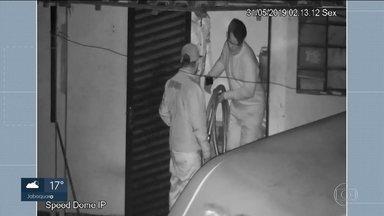 Polícia procura integrantes de quadrilha que furtava nafta de um duto da Petrobras - A polícia procura integrantes de uma quadrilha que furtava nafta, um derivado do petróleo, de um duto da Petrobras.Três homens foram presos na madrugada do sábado (08), no ABC.