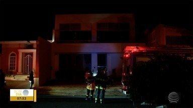 Clínica médica sofre danos após incêndio - Fogo foi controlado rapidamente.