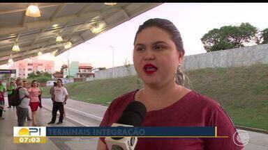 Longas esperas continuam a ser motivo de reclamação de usuários de ônibus de Teresina - Longas esperas continuam a ser motivo de reclamação de usuários de ônibus de Teresina