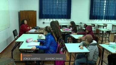 Prédios de escolas em Passo Fundo são interditados por risco de incêndio - Locais tinham problemas em fiações elétricas.