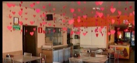 Dia dos Namorados movimenta a economia em Divinópolis - Venda de flores e reservas em restaurantes da cidade cresceram por causa da data.