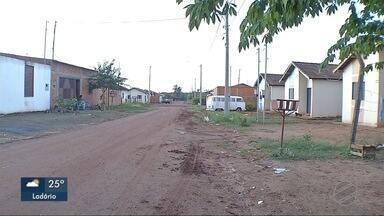 Bairro recebeu asfalto nas principais ruas - Outras vias do bairro devem ser asfaltadas em seis meses