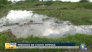 Rios transbordam e mais casas ficam inundadas na Grande João Pessoa após chuva - Mapa da Aesa mostra que maiores volumes de chuvas estão concentrados no Litoral.