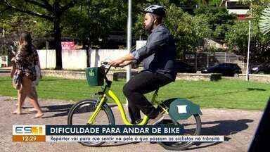 Mil ciclistas sofrem acidentes por ano no Espírito Santo - Repórter vai para rua sentir na pele o que passam os ciclistas no trânsito de Vitória.