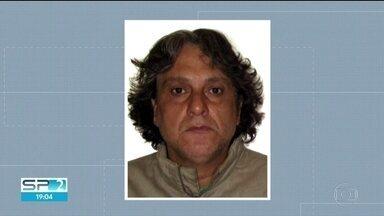 Testemunhas prestam depoimento no caso que apura a morte de Rafael Miguel e dos pais dele - Buscas por Paulo Cupertino, que é foragido da Justiça, completam nove dias.
