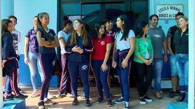700 alunos de instituto em Palmeira das Missões seguem sem aulas - Obras de manutenção do prédio estão incompletas.