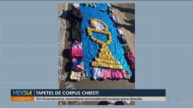 Tapete com roupas para doação é destaque em Guarapuava - Por lá também teve missa e procissão.