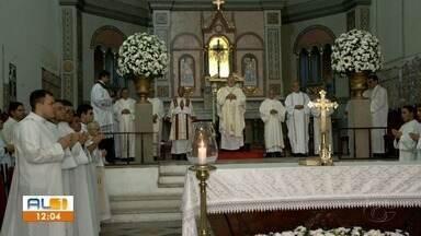 Programação religiosa do Corpus Christi começou no início da manhã desta quinta - Dom Antônio Muniz falou sobre a programação.