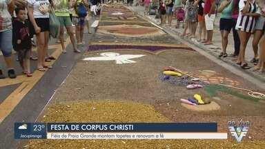 Católicos montam os tapetes de Corpus Christi na Baixada Santista - Fiéis de paróquias da região se unem nesta quinta-feira (20) para montagem dos tapetes, para missas e procissões.