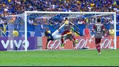 Em 2014, Marcelo Moreno fez um golaço pelo Cruzeiro na última rodada do Brasileirão 2014 - Em 2014, Marcelo Moreno fez um golaço pelo Cruzeiro na última rodada do Brasileirão 2014
